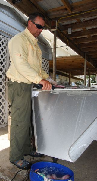 Fish cleaning table with ramp for cleaning speckled trout for Fish cleaning table bass pro